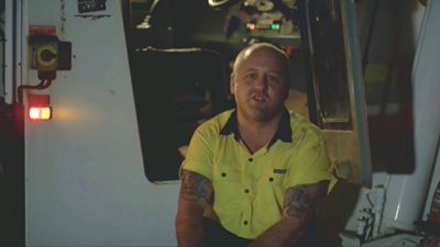 Out-of-work crane operator turns Uber driver in viral ad