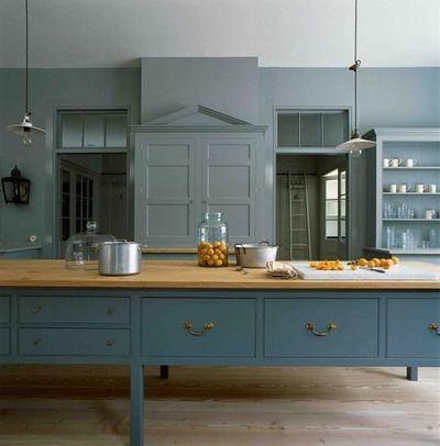 4. Not building a complementary colour scheme