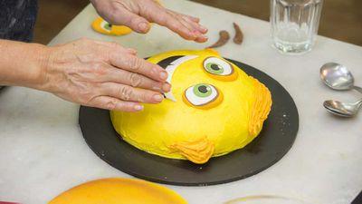 "<p>8.- Make a Gene too</p> <p>Full recipe for the cake <a href=""https://kitchen.nine.com.au/2017/12/08/14/13/meh-emoji-cake"" target=""_top"">here</a></p>"
