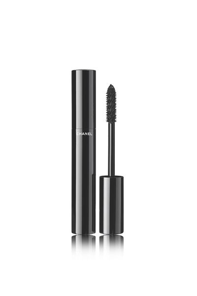 "<a href=""https://www.myer.com.au/shop/mystore/mascara-155985850-155985940"" target=""_blank"" draggable=""false"">Chanel Le Volume De Chanel Mascara, $52</a>"
