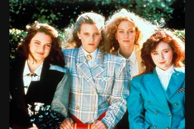 Move over, <i>Mean Girls</i>. Winona Ryder, Shannon Doherty, Kim Walker and Lisanne Falk were the original girls you love to hate at high school in this very dark comedy classic. Being popular has never been so life-threatening ...