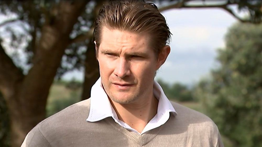 Shane Watson warns of legal action as players' pay dispute continues with Cricket Australia