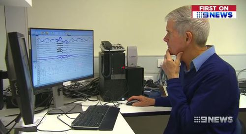 Professor Leon Lack, from Flinders University, said the THIM device helps re-train peoples bodies to sleep. (9NEWS)