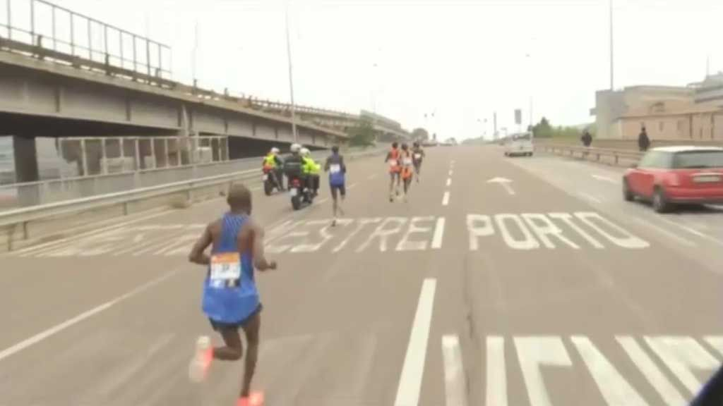 Marathon runners take wrong turn in Venice