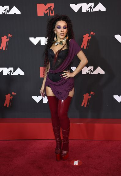 Doja Cat arrives at the MTV Video Music Awards at Barclays Center on Sunday, Sept. 12, 2021, in New York. (Photo by Evan Agostini/Invision/AP)
