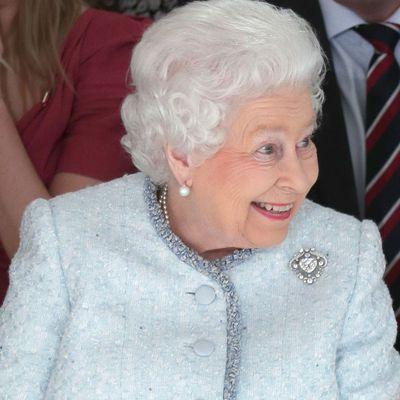 Queen Elizabeth II: The Cullinan V brooch
