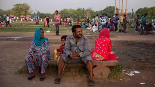Hundreds dead in Indian heatwave as temperatures nudge 50 degrees Celsius