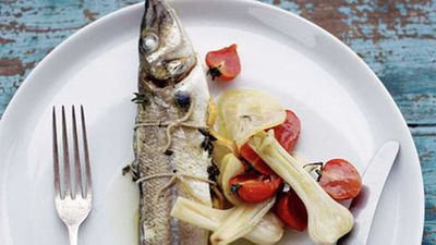 """<a href=""""http://kitchen.nine.com.au/2016/05/17/14/32/whole-whiting-roasted-with-tomato-lemon-and-young-garlic"""" target=""""_top"""">Whole whiting roasted with tomato, lemon and young garlic</a> recipe"""