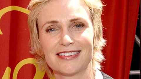 Rumour: Jane Lynch to host Saturday Night Live