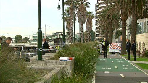 Man dead in Melb waters may have fallen