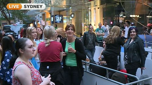 Crowds gathering outside Australia's flasgship Sephora store ahead of its opening. (9NEWS)
