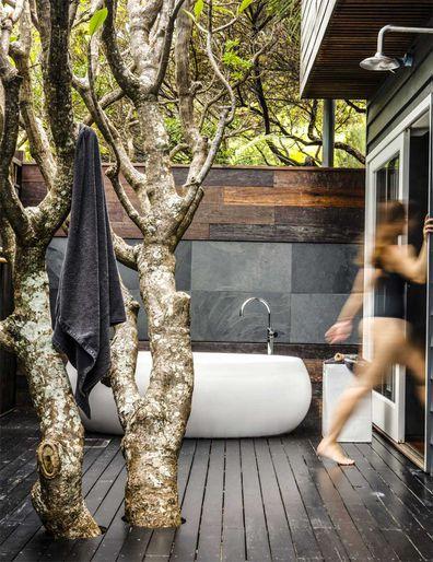 Capella Lodge outdoor bathroom