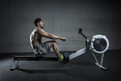 <strong>Rowing (intense - 220 watts)</strong>