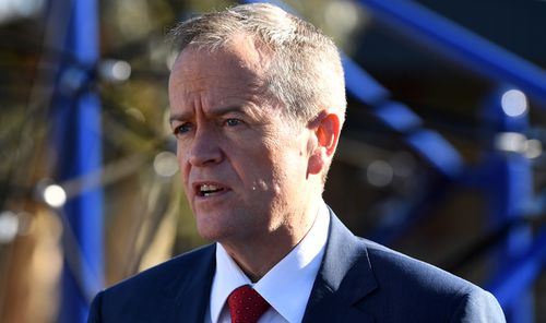 Bill Shorten promises to hold national republic vote