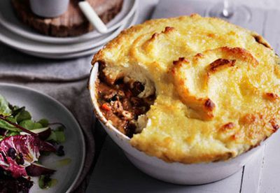 "Recipe: <a href=""/recipes/ilamb/8301606/lamb-neck-shepherds-pie"" target=""_top"">Lamb neck shepherd's pie</a>"