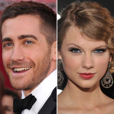 Taylor Swift and Jake Gyllenhaal (October 2010 - January 2011)