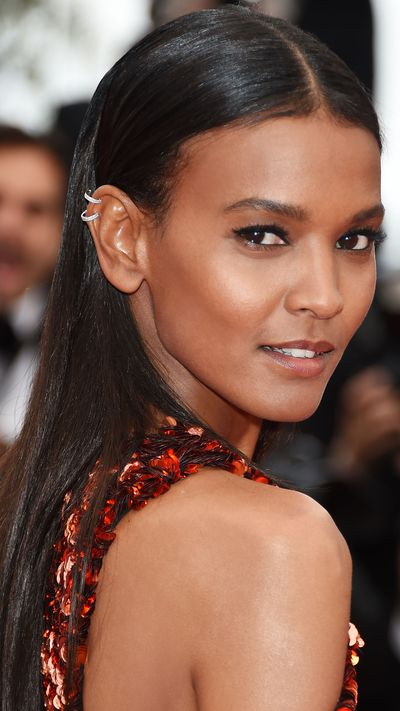<p><strong>Liya Kebede</strong> kept things modern with a barely-there make-up look and sleek hair befitting her super cool Proenza Schouler ensemble.</p>