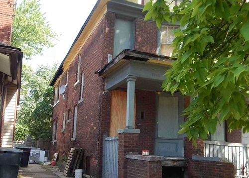 There are whole neighbourhoods in Detroit with just a handful of residents.