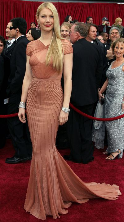 Wearing Zac Posen at the 2007 Academy Awards.
