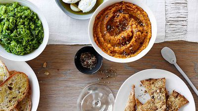 """<a href=""""http://kitchen.nine.com.au/2016/05/16/18/53/roast-carrot-dip-with-labne-and-crisp-pitta-bread"""" target=""""_top"""">Roast carrot dip with labne and crisp pitta bread<br> </a>"""