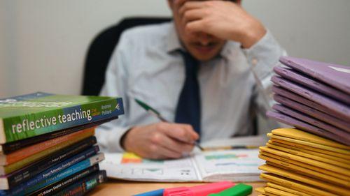 Australian teachers pay hundreds for own classroom supplies, survey reveals