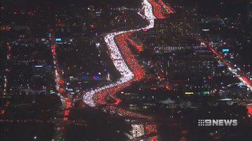 VIDEO: America faces huge Thanksgiving gridlock