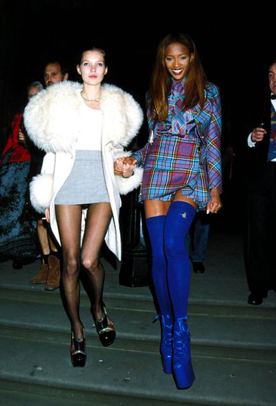 Kate Moss and Naomi Campbell are a real-life Cher and Dionne from 'Clueless' at the London Fashion Week Designer Of The Year Awards.