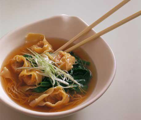 Wonton soup with noodles