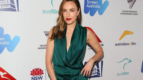 Jessica McNamee on the red carpet at the Australians in Film awards. (Getty)