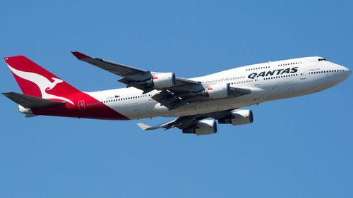 Elderly man dies on Sydney-bound Qantas flight