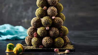 "<a href=""http://kitchen.nine.com.au/2016/09/09/14/17/darren-purchese-brazilian-coffee-truffle-tower"" target=""_top"">Darren Purchese's cafezinho do Basil brigadeiro (Brazilian coffee truffle tower)<br /> </a>"