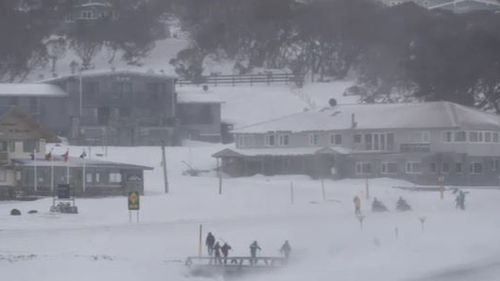 Blizzards and damaging winds to batter NSW