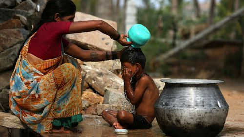 At least 800 dead in major India heatwave as roads melt