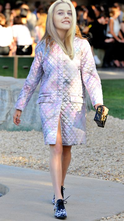 <p>This Louis Vuitton Cruise '16 coat would make her forget she's a virgin who can't drive.</p>