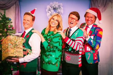 Today show hosts in Awkward christmas photo