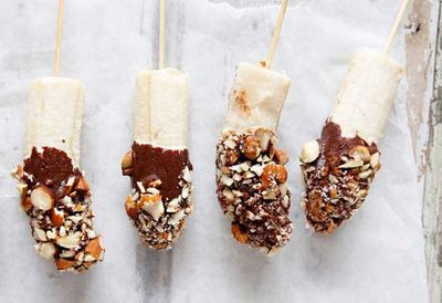 "Recipe:&nbsp;<a href=""http://kitchen.nine.com.au/2016/05/20/11/09/brooke-merediths-frozen-banana-pops"" target=""_top"">Brooke Meredith's frozen banana pops<br> </a>"