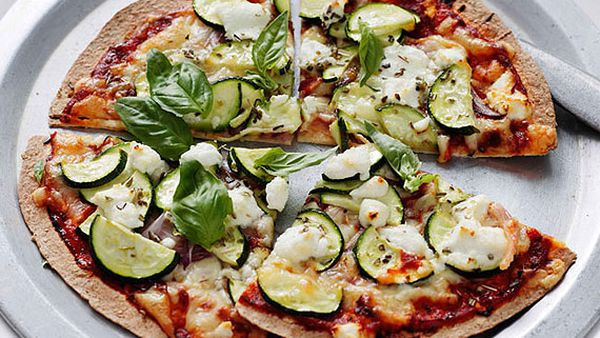 Zucchini and goat's cheese pizza