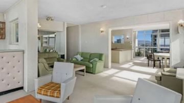 Though while the skyline apartment, positioned on top of the heritage listed Kinkabool building at Surfers Paradise, may seem like prime property for a modern makeover its new buyer has opted to keep the retro 1960's look.