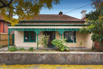 """<strong><a href=""""https://www.domain.com.au/65-westgarth-street-northcote-vic-3070-2013645001"""" target=""""_blank"""" draggable=""""false"""">Northcote, Victoria</a></strong>"""