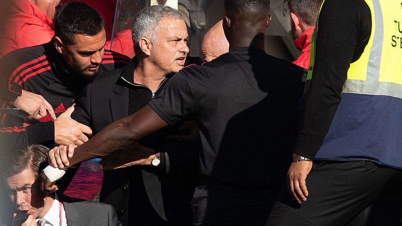 Mourinho fires up at a Chelsea assistant