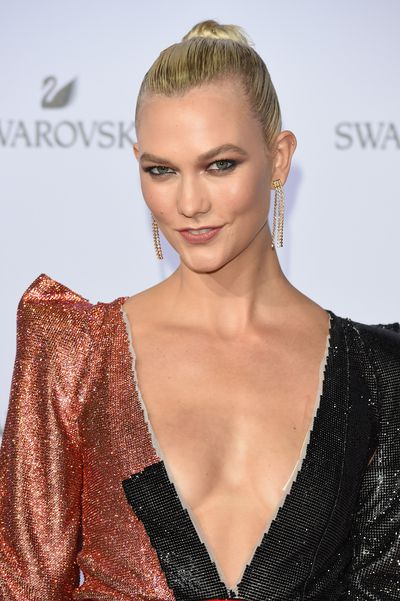 <p>Karlie Kloss is a legitimate supermodel. Given that, it should come as no surprise that she's got the kind of killer body that seems to defy logic. Her legs are impossibly long and toned, her belly taut, shoulders broad and then, there's that incredible cleavage.</p> <p>Karlie showed off pretty much every inch of that breath-taking body when she celebrated the launch of Swarovski's annual holiday campaign with what may well have been the party of the decade. Taking place in Milan, the event was hosted by Karlie, a brand ambassador, and attended by the world's most beautiful faces including Naomi Campbell, Jourdan Dunn and Australia's very own Shanina Shaik.</p> <p>Click through and you'll see exactly what we mean.</p>