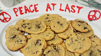 Katy Perry and Taylor Swift declare peace with cookies