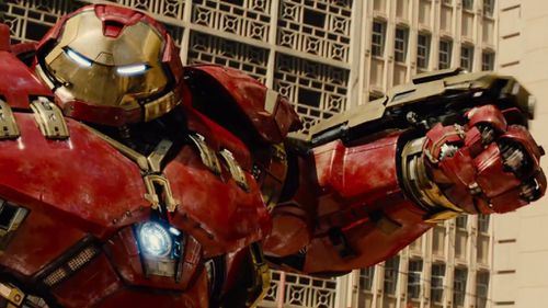 Iron Man (Robert Downey Jr) tries on a new suit of armour to battle a big, green, angry foe. (Marvel Entertainment)