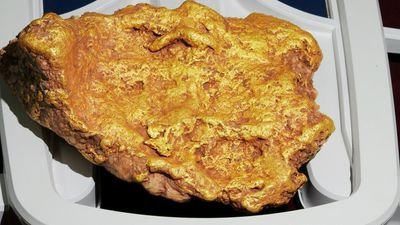 Prospector finds $110K gold nugget