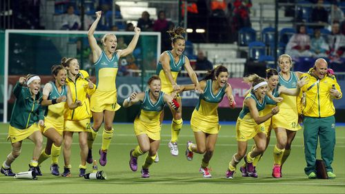 Aussie women's hockey team takes gold with epic penalty shootout