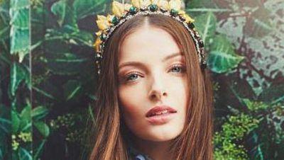 Viktoria Novak crown