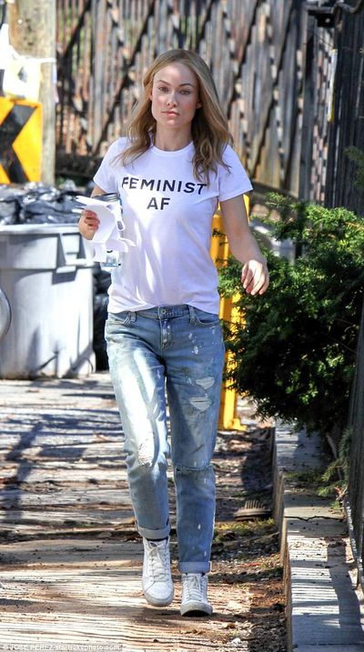 Actress Olivia Wilde showing everyone who's boss in L.A
