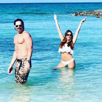Joe Manganiello and Sofia Vergara sizzle on holiday