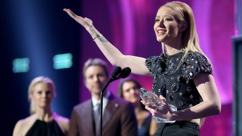 Iggy and 5SOS win People's Choice Awards