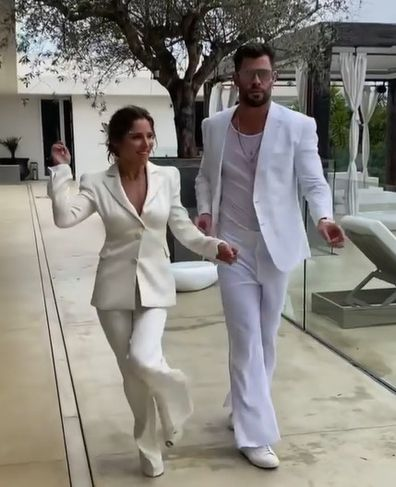 Chris Hemsworth and Elsa Pataky dance at their white party.